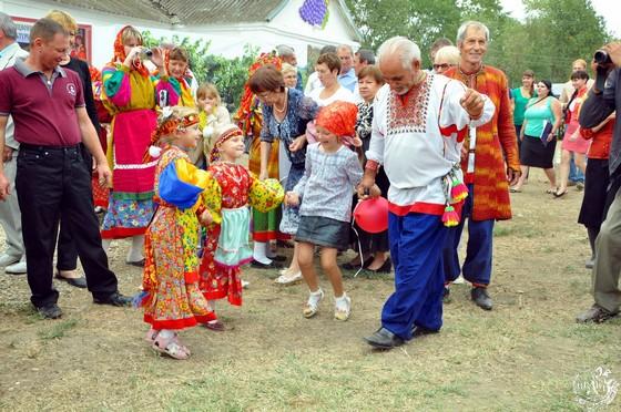 002-2012 г. пос. Новокумский. Этнографический праздник «Традиции в душе храня»