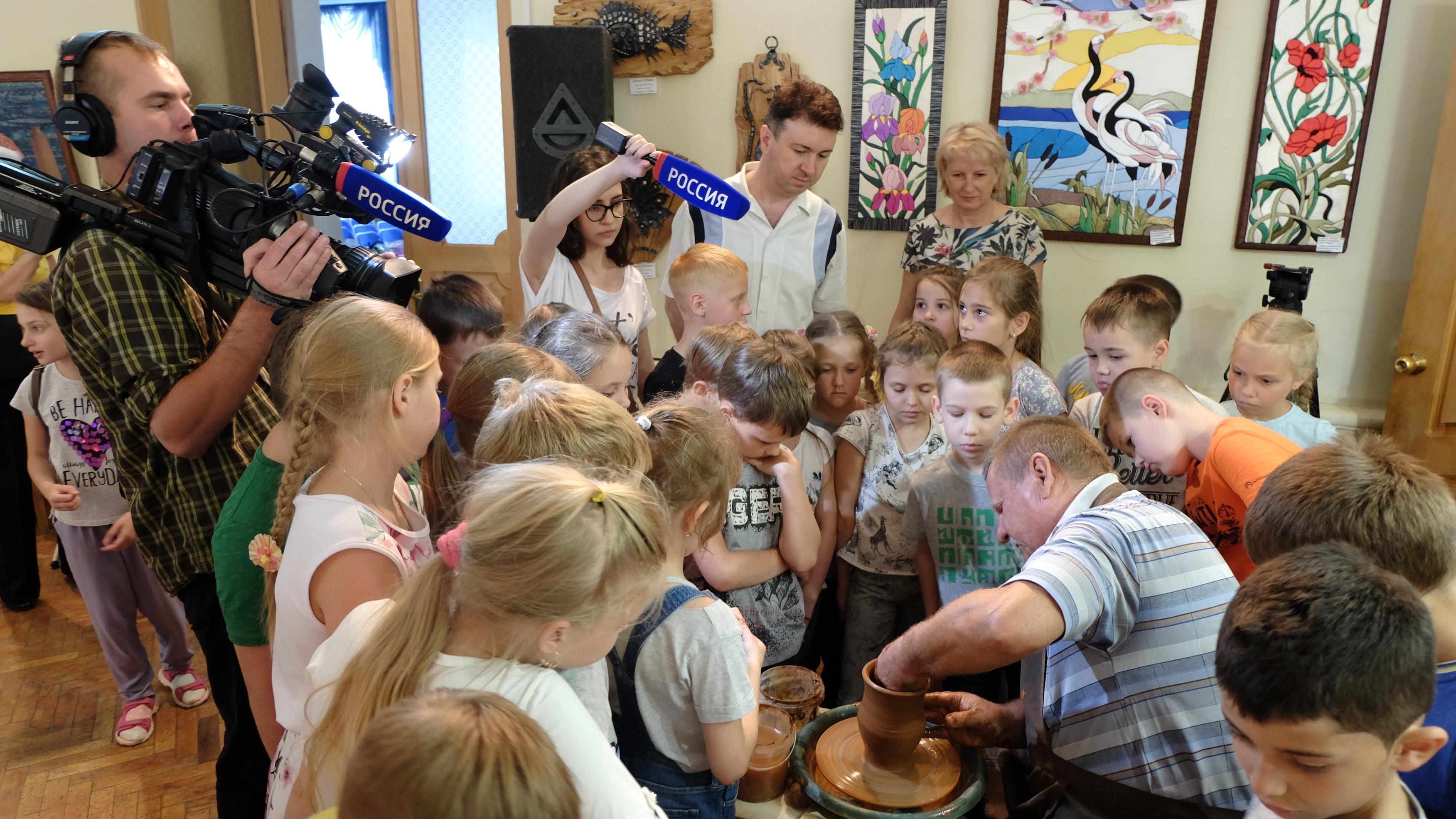 В Ставропольском краевом Доме  народного творчества открылась выставка «Придумано и сделано на Ставрополье»